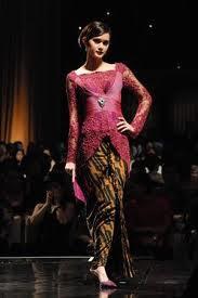 Model Kebaya Wanita Langsing