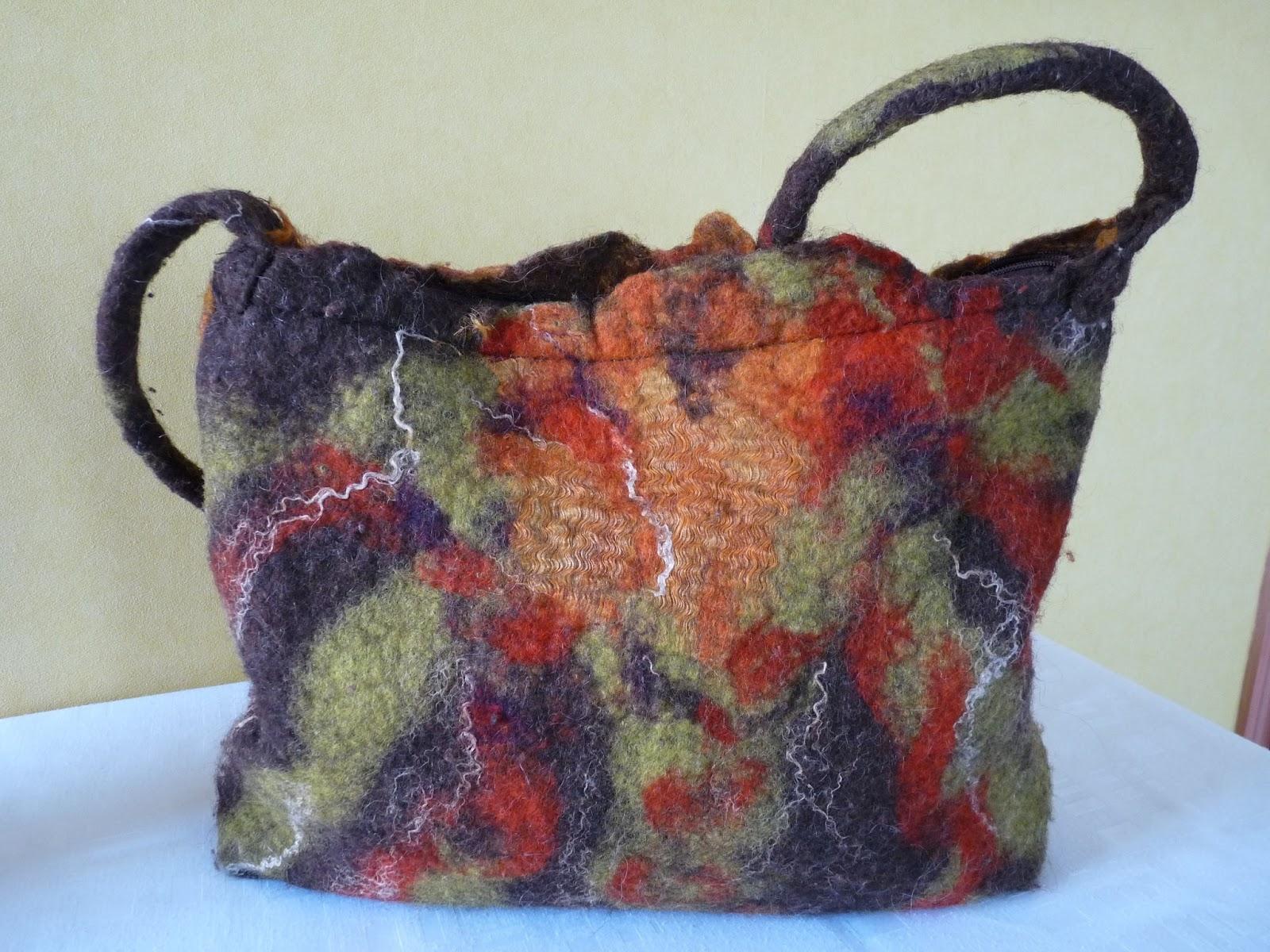 madelisoucree laine feutree tissu cr e partir de. Black Bedroom Furniture Sets. Home Design Ideas