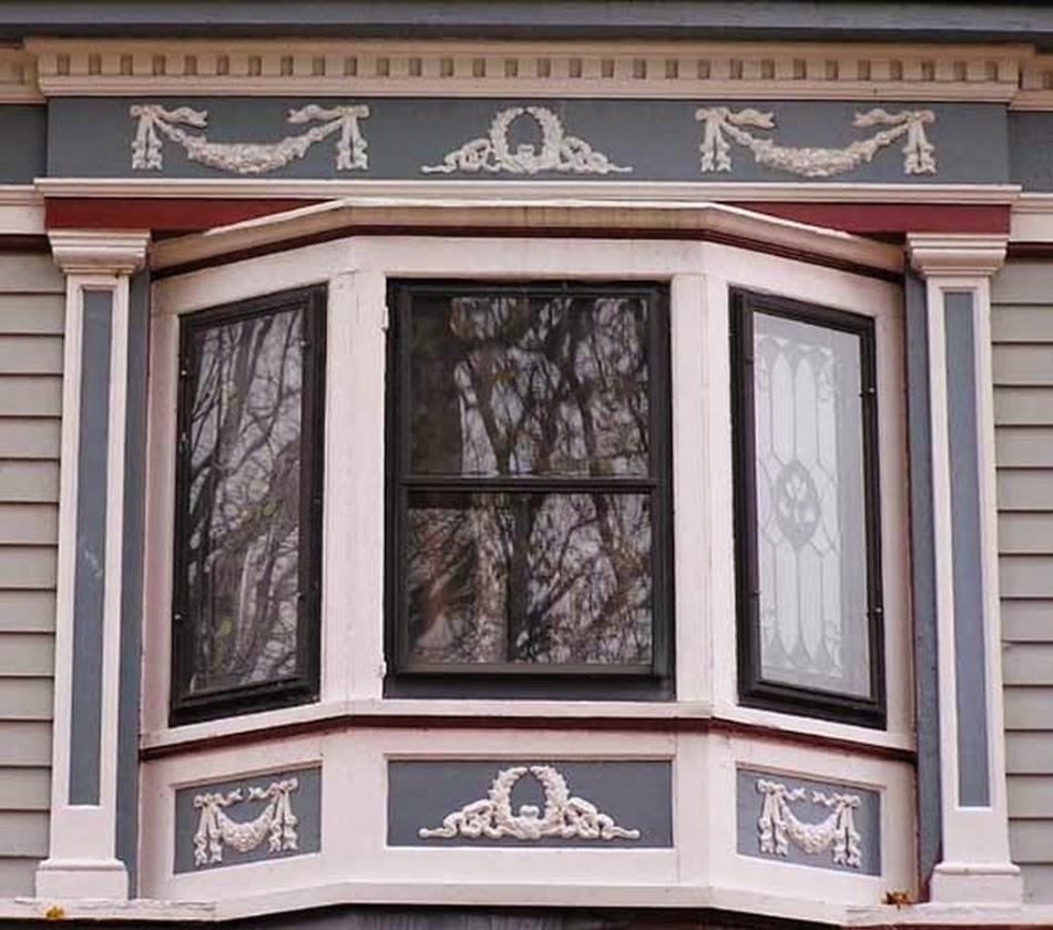 jendela rumah mewah