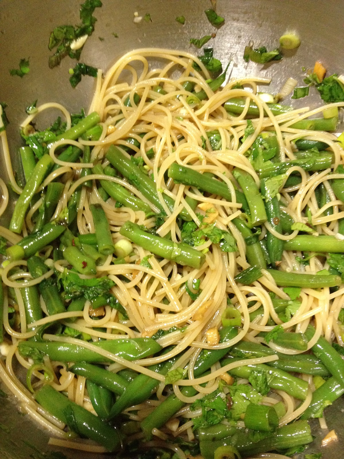 Shelley: Food Obsessed: Thai Noodle and Green Bean Salad