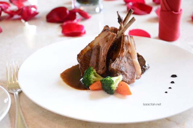 Oven-Roasted Rack of Lamb with Porcini Mushroom Ragout