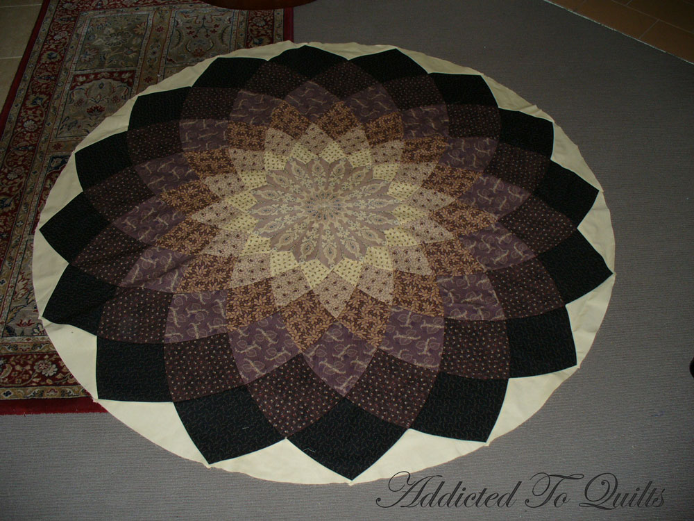 Giant Dahlia Quilt Images : Addicted To Quilts: Giant Dahlia Quilt