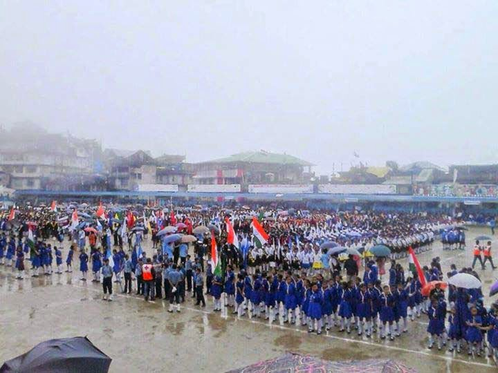 students gathered in Independence Day celebration in kalimpong mela ground