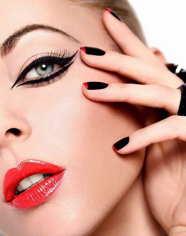 Best Colors of Eyeliner Styles for Green Eyes