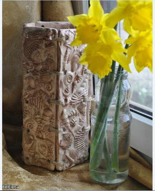 Ваза для цветов из гипса
