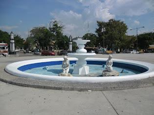 Sirenas, malecón de mi Puerto Cabello