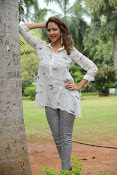 Lakshmi Manchu latest photo shoot gallery-thumbnail-8