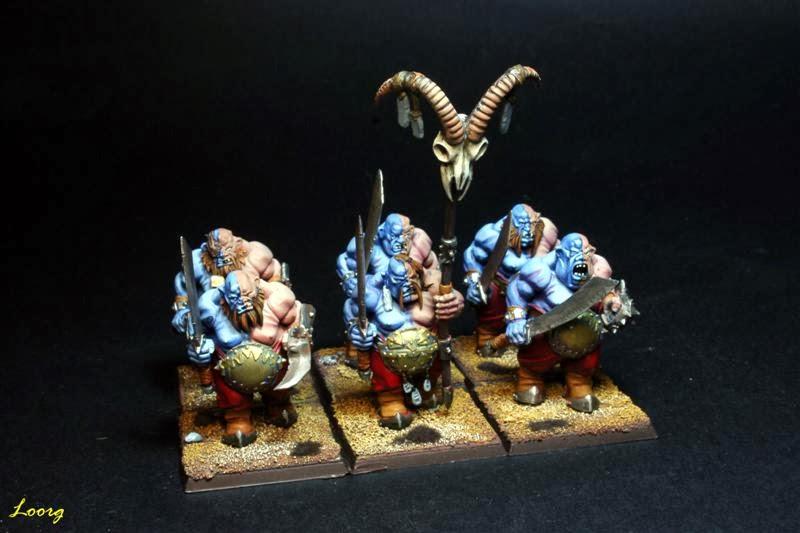 Regimiento de Ogros Toro con espadas y puños de hierro