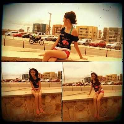 Jaqueline em férias na praia