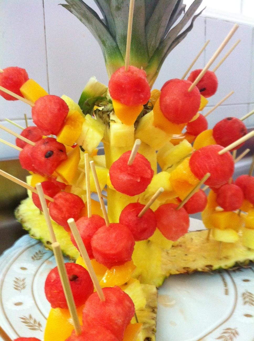 La cocina de antonio coca pinchos de frutas - Como hacer coctel de frutas ...