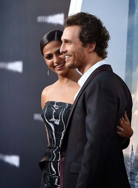 Like a fine wine, this man Matthew McConaughey just keep getting better with age and wife, Camila Alves always looked beauty in those great fashion design. If he is our Dom, we will gladly be his slave, cause Camilla has appeared inspirable on the Interstellar Premiere at TCL Chinese Theater at Hollywood, USA on Sunday, October 26,2014.