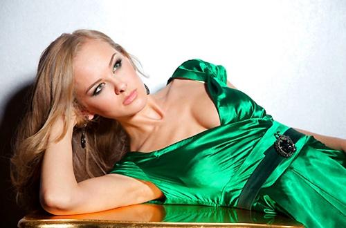 maquillaje para vestir de verde
