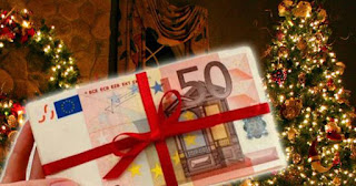 Πρωτοχρονιάτικο... ξεκαθάρισμα: Πέταξε 1.000 ευρώ σε μετρητά στην ανακύκλωση!