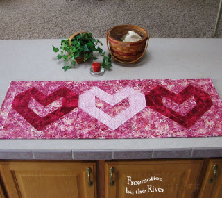 Batik heart table runner at Freemotion by the River