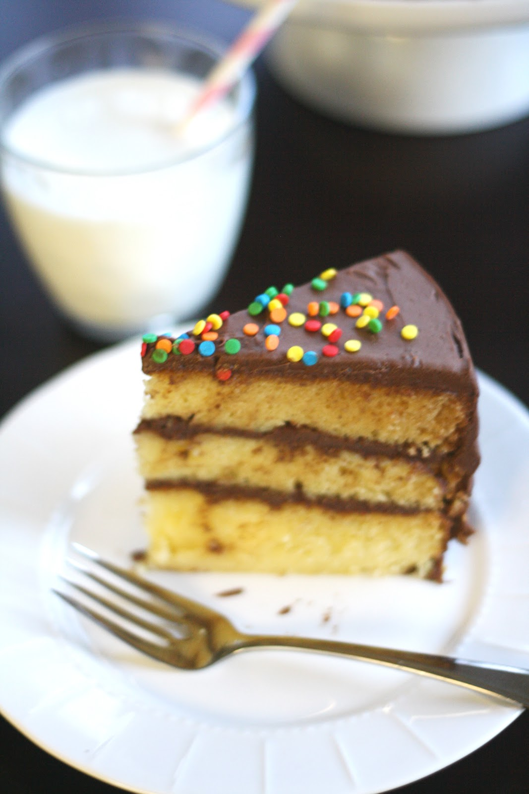 sour cream yellow layer cake with chocolate sour cream frosting recept ...
