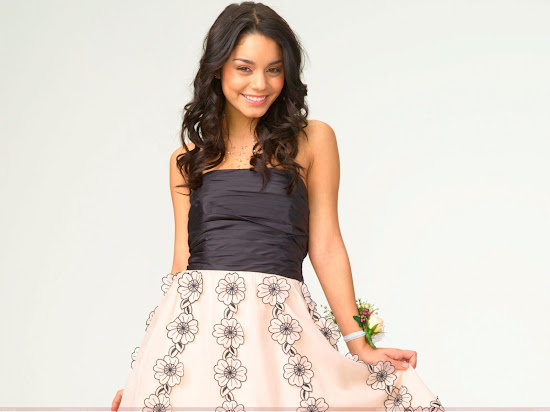 vanessa_anne_hudgens_wallpaper_in_scirt_Fun_Hungama
