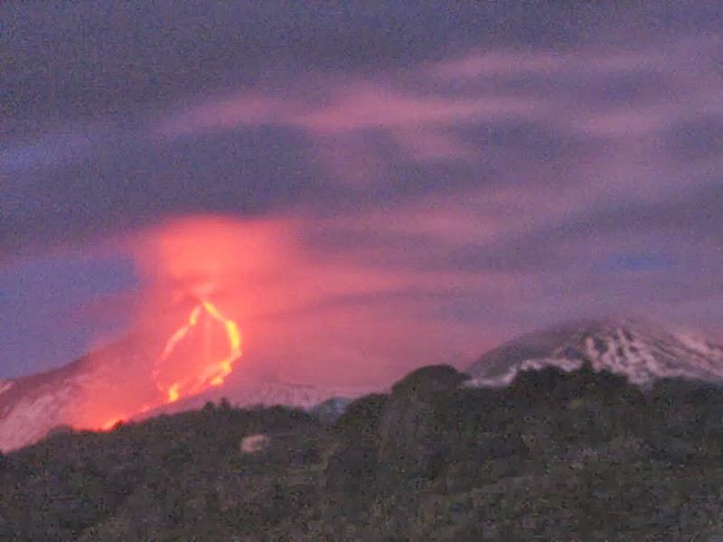 Coulées du 21eme paroxysme du volcan Etna, 30 decembre 2013