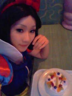 Disney Snow White Cosplay by Koyuki 4