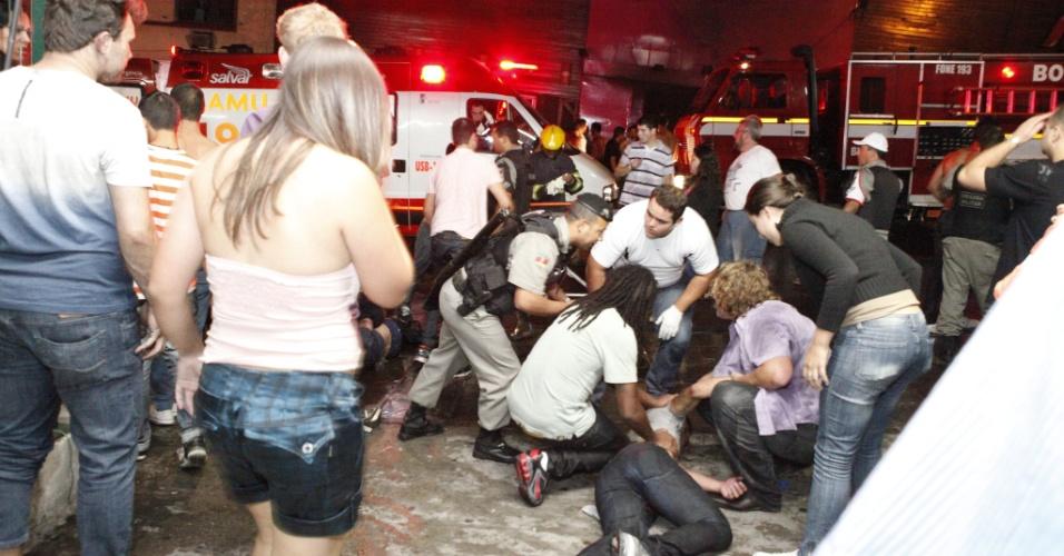 27jan2013   incendio de grande proporcao atinge a boate kiss no centro de santa maria rs 1359281372972 956x500 - Tragédia da Boate Kiss em Santa Maria - Mensagem de Consolo