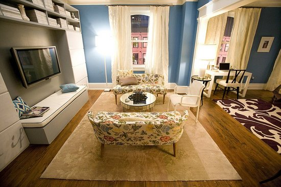 Carrie Bradshaws Apartment from Sex the