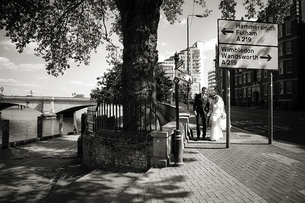 London wedding on Putney Bridge, Thames