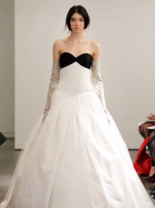 Cheap wedding gowns online blog black white vera wang for Affordable vera wang wedding dresses
