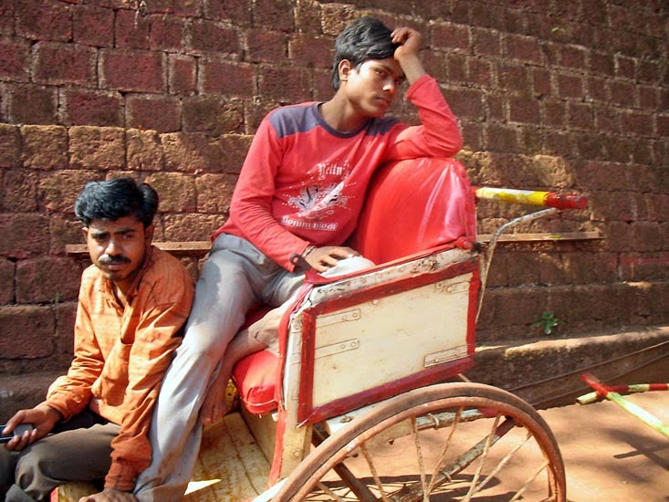 Cycle Rickshaw Drivers in Matheran