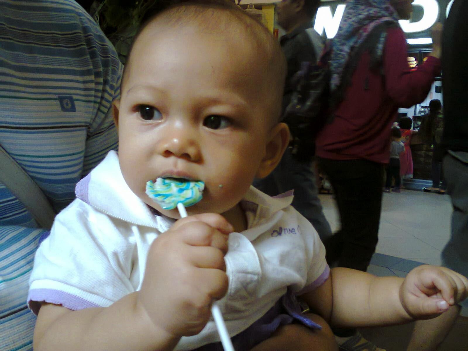 Makan Permen