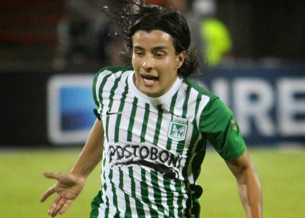 Cárdenas comemora um gol pelo Atlético Nacional