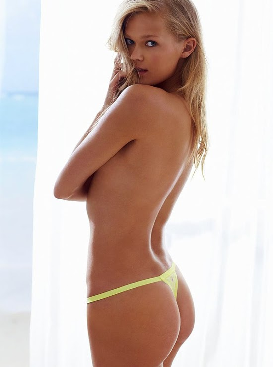 Margo robbie topless