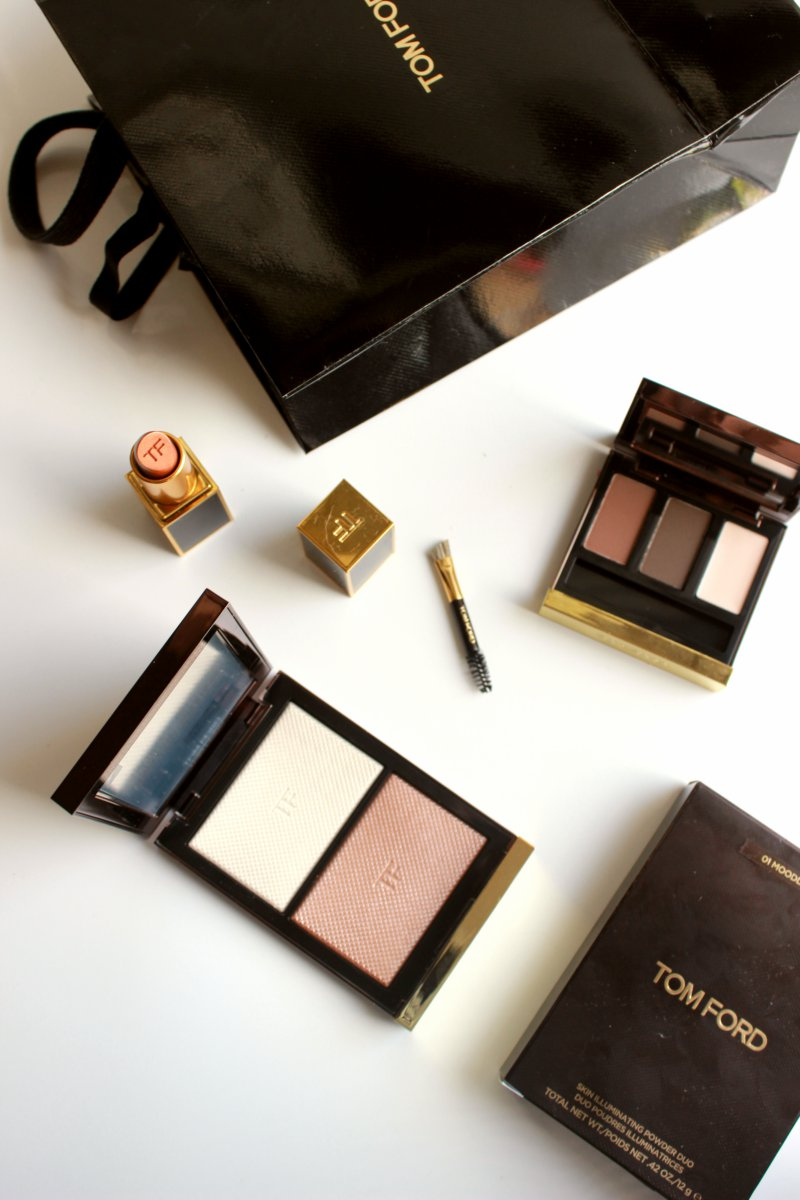 Tom Ford Skin Illuminating Powder Duo Review