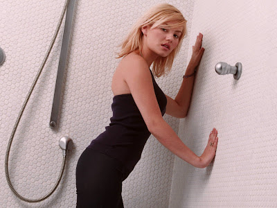 elisha_cuthbert_beautiful_wallpaper_01_www.hotywallpapers.com