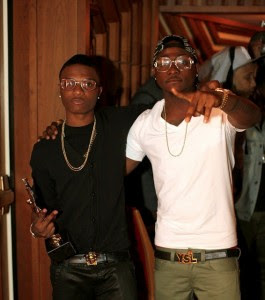 How Davido left Wizkid drunk at Island bar with bill of N500,000
