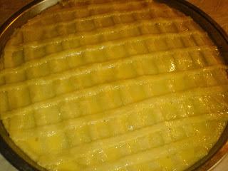 preparare placinta cu carne, cum se prepara placinta cu carne, cum facem placinta cu carne, cum preparam placinta cu carne, retete si preparate culinare de placinta cu carne, reteta placinta, preparare placinta de carne, ornare placinta cu carne,