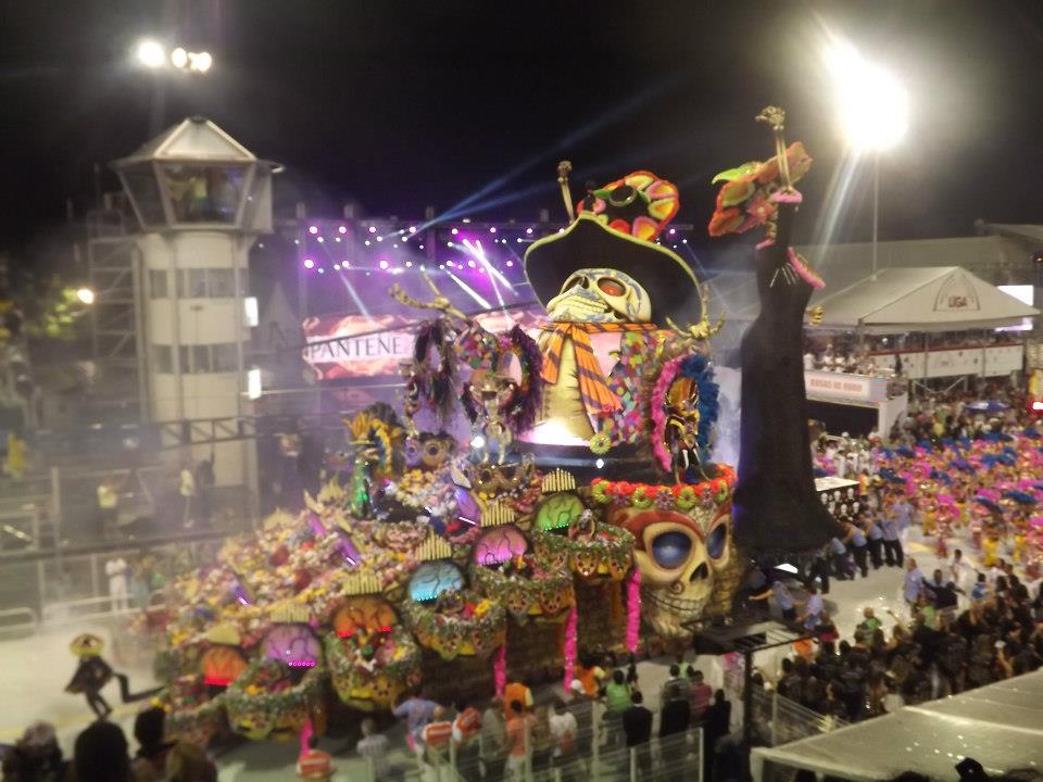 Carnaval 2005 aguia de ouro elen pinheiro - 2 8