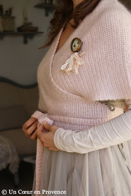 Pink wool wrap-over top 'Noa Noa', tulle dress 'Myrine & Me' and brooch 'Mademoiselle Bohème'