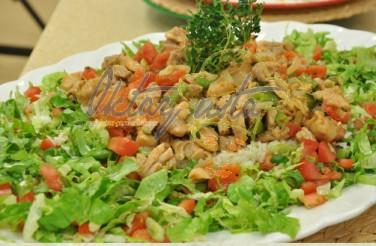 Karışık Salatalı Kavurmalı Pilav Tarifi