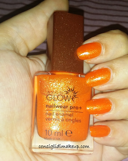 NOTD: Smalto Nailwear Pro+ Flaming Orange - Avon Glow