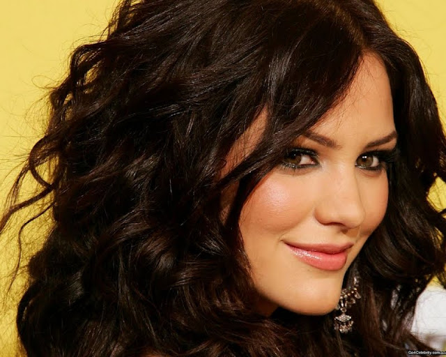 American Singer Katharine McPhee Biography and new photos 2011