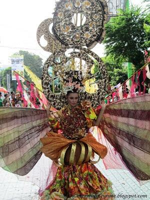 Tim Fashion Carnival UNY Kostum Jogja Kreatif