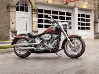 2013 HarleyDavidson FLSTF Softail Fat Boy gambar motor 2