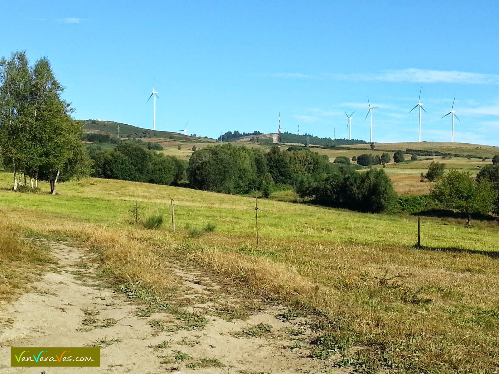 paisaxe de campiña na vertente sur da serra do paramo