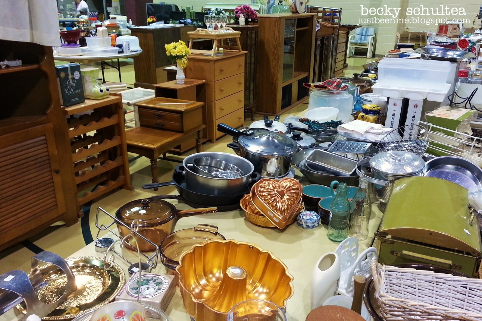 Just Bee 'n Me: Garage Sale Heaven!