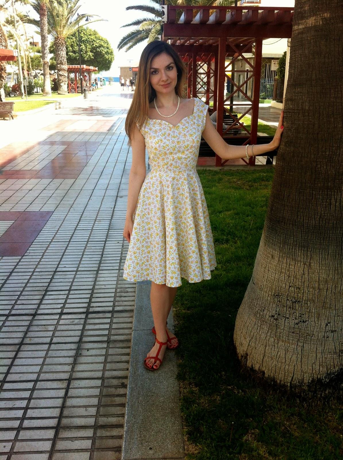 Платье с вырезом сердечко выкройка