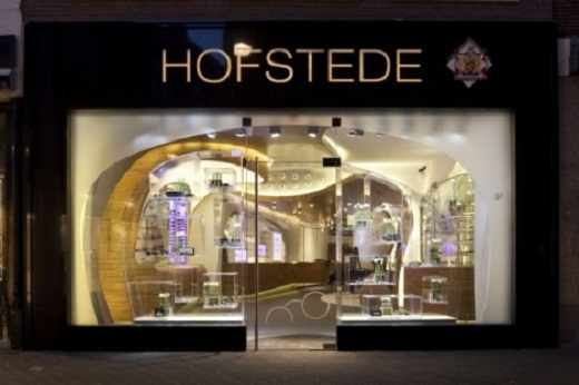 Modern Fashion Store Design of Hofstede Optiek front door