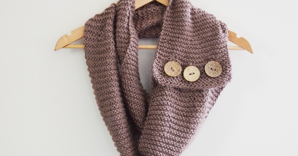diy : buttoned up infinity scarf
