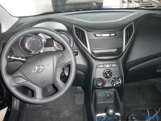 Hyundai HB20 Comfort Plus 1.6 - painel sem som