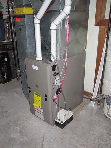 High efficiency furnaces what you need to know before for Efficient home heating options