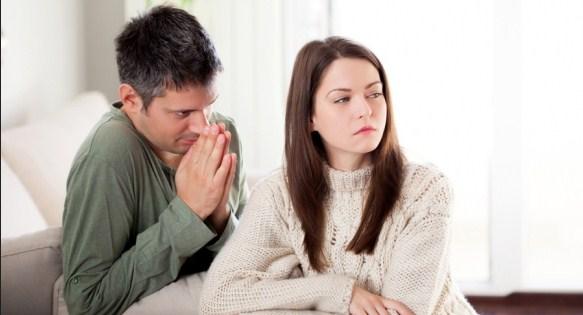 3 Cara Menghadapi Pria Yang Banyak Omong Kosong