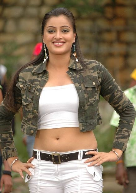 NAVNEET+KAUR+HOT+PHOTOS+IN+JEANS